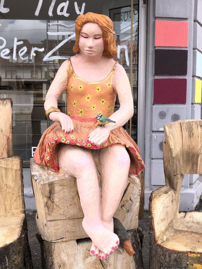 Junges Mädchen von Handpeter Zöllin